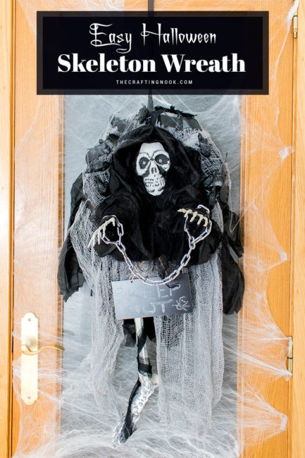 Super Easy Halloween Skeleton Wreath