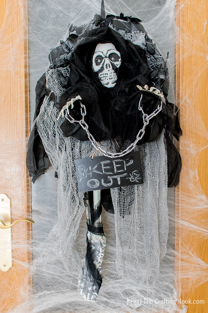 Easy Halloween Skeleton Wreath-Keep-out