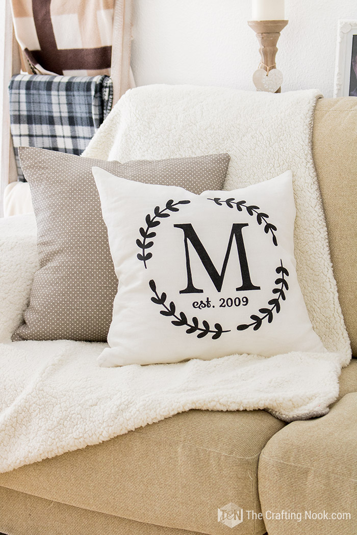 How to Make a Monogrammed Zippered Pillow Cover Rustic
