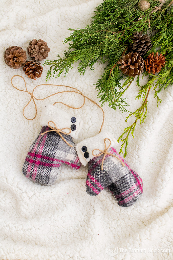 DIY Mittens Christmas Ornament Cozy