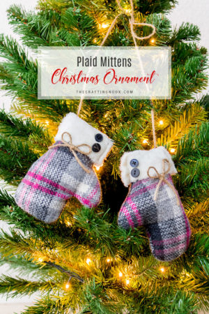 DIY Mittens Christmas Ornament (with video tutorial)
