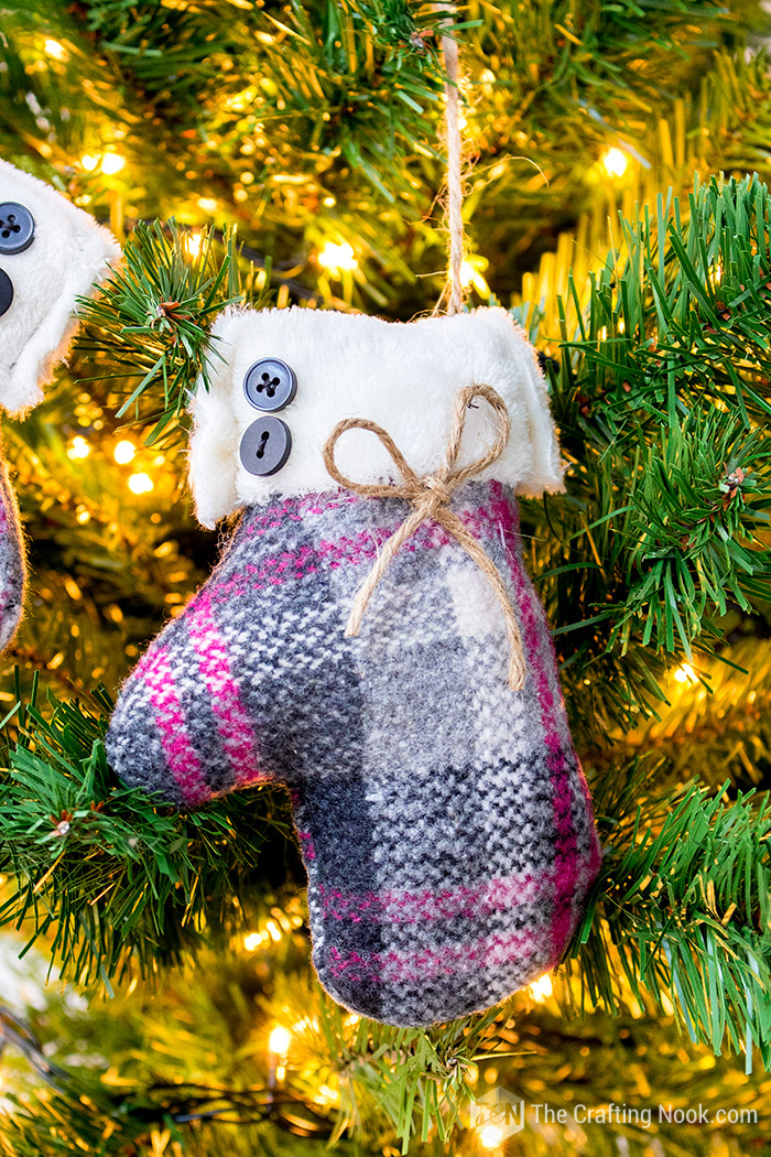 How to Make Easy DIY Mittens Christmas Ornament