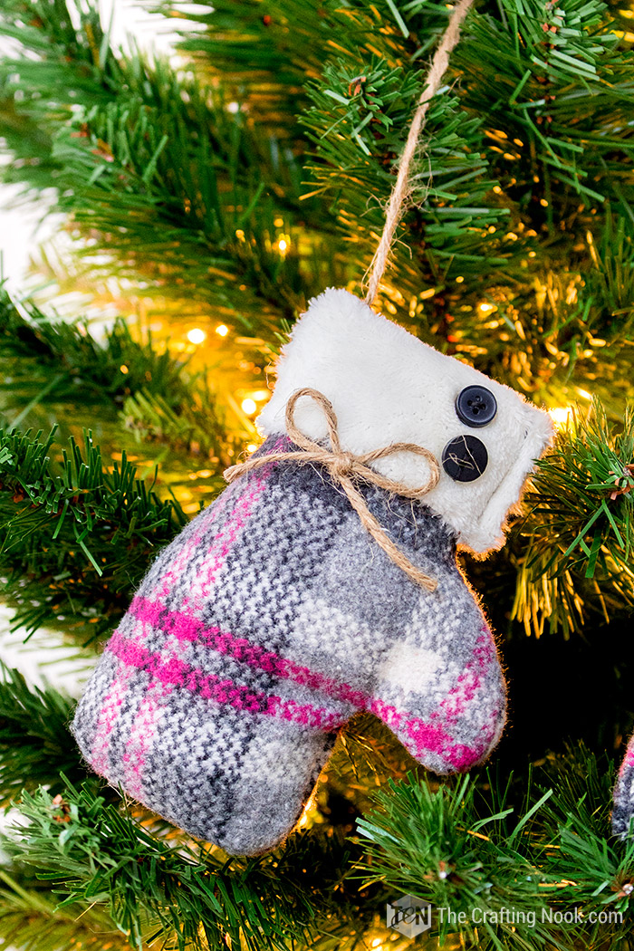 Mittens Christmas Ornament Easy Tutorial