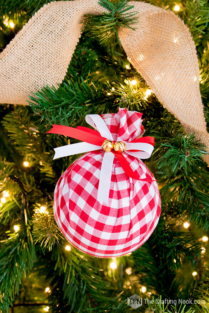 DIY Buffalo Check Christmas Ornament - Easy Upcycled Fabric Baubles.