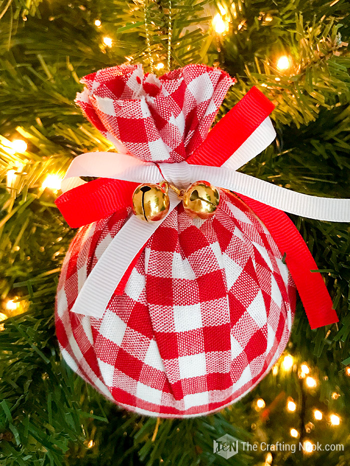 DIY Buffalo Check Christmas Ornament - Easy Upcycled Fabric Baubles.