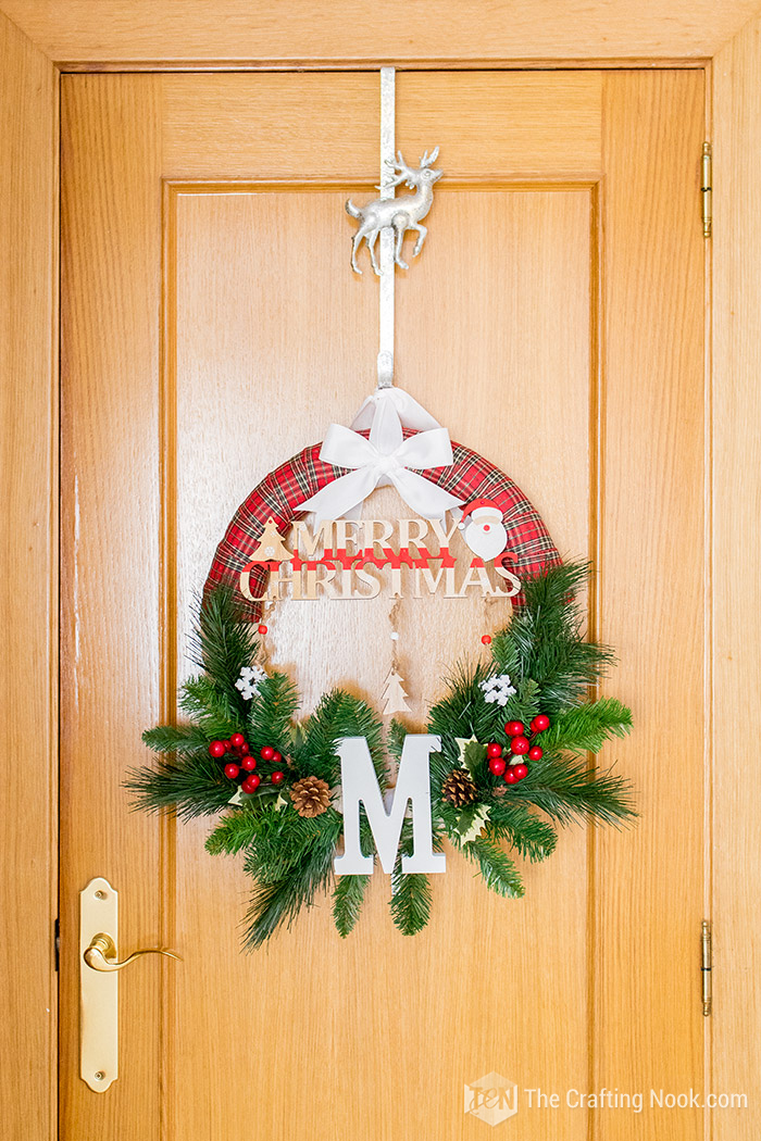 Buffalo Plaid Christmas Wreath Tutorial