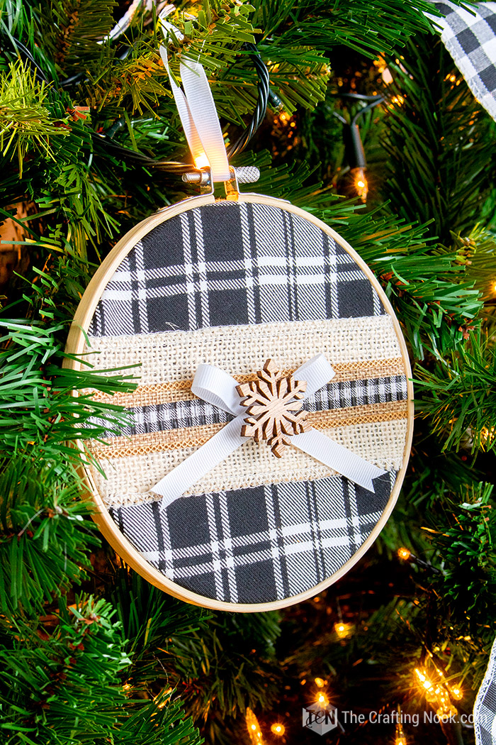 DIY Black & White Buffalo Plaid Embroidery Hoop Christmas Ornament