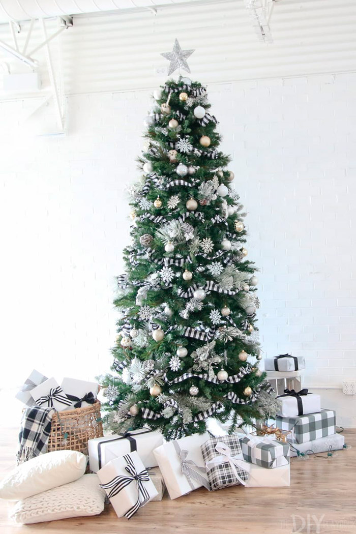 A Black and White Buffalo Check Christmas Tree by The DIY PlayBook
