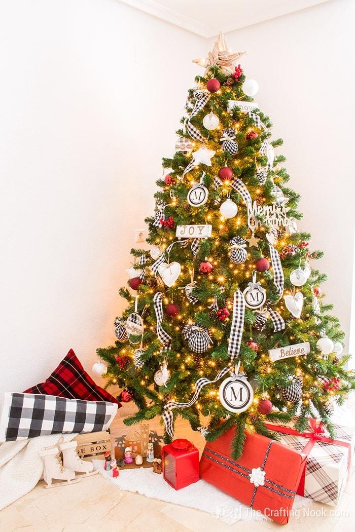Black and White Buffalo Check Christmas Tree Gorgeous
