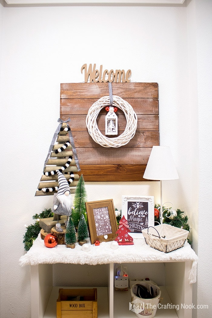 Black and White Buffalo Plaid Christmas Home Tour Entryway 1