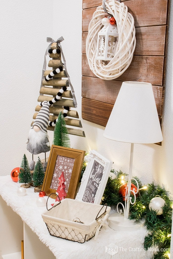 Black and White Buffalo Plaid Christmas Home Tour Entryway 2