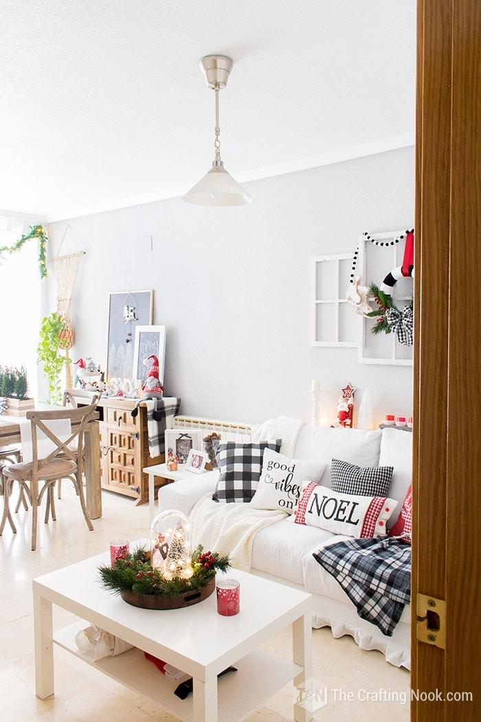 Black and White Buffalo Plaid Christmas Home Tour Living Room 2