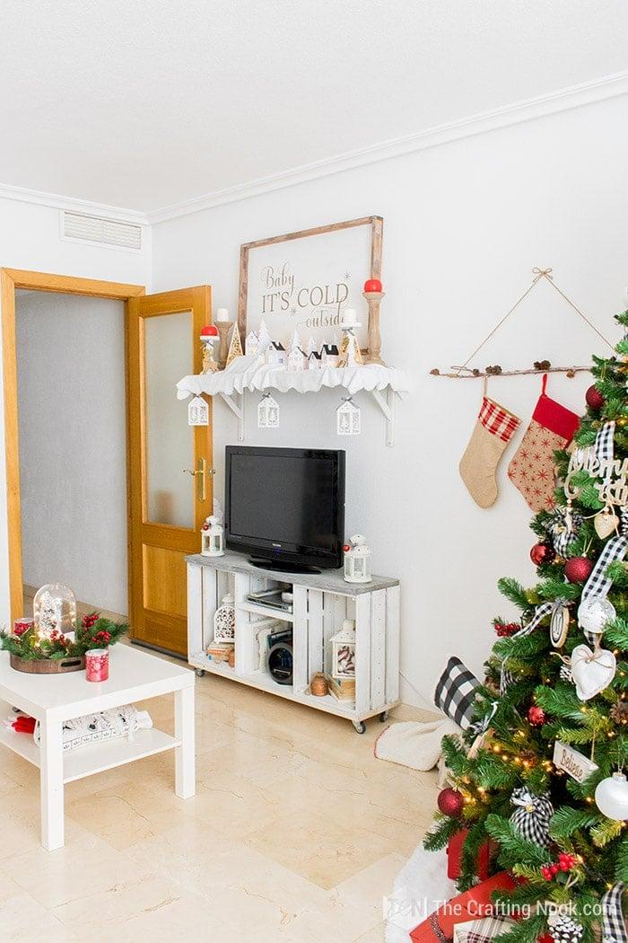 Black and White Buffalo Plaid Christmas Home Tour Mantel 1