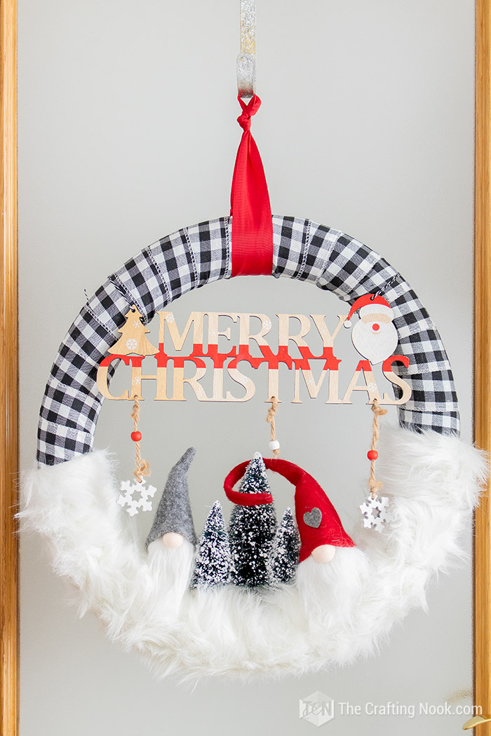 DIY Cute Buffalo Check Gnomes Christmas Wreath