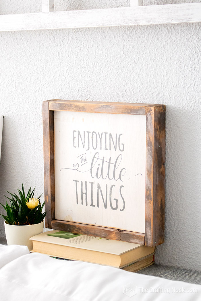 DIY Reversible Farmhouse Wood Sign pretty and rustic