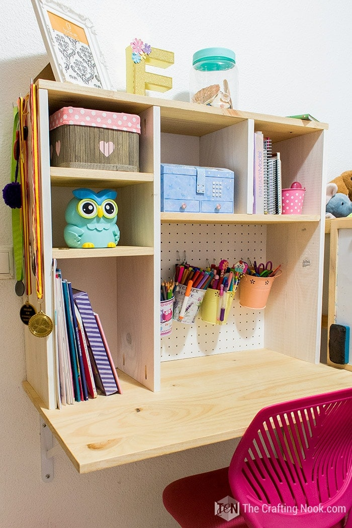DIY Floating Desk for Kids with enough storage space