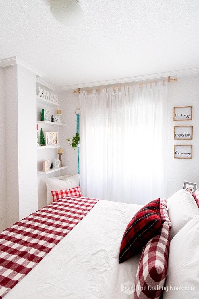 Christmas Bedroom Decor with Shadow box