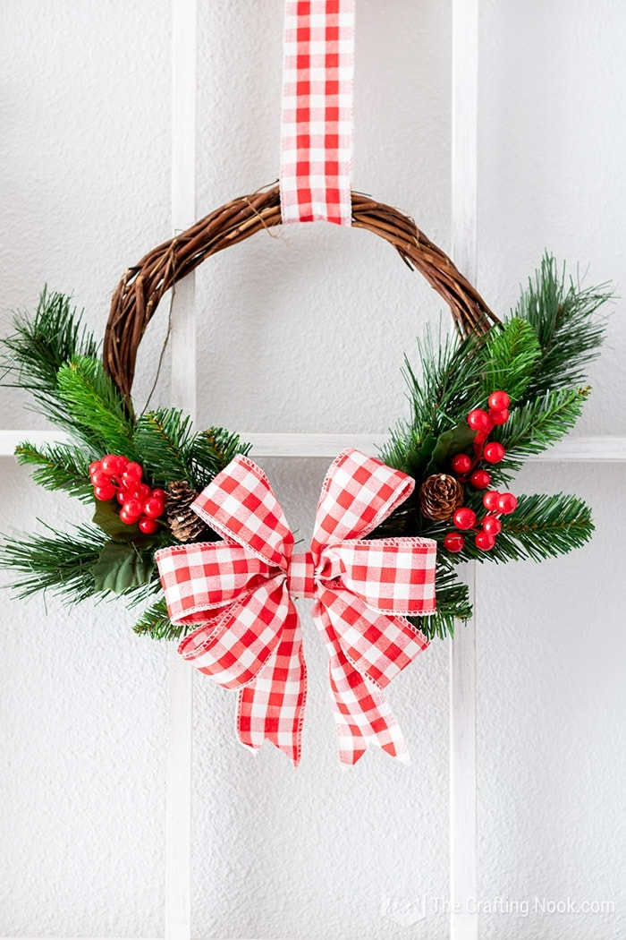 Learn how to make a Red and White Rustic Wreath