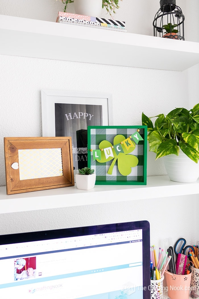 Lucky Shamrock St. Patrick's Day Frame Tutorial